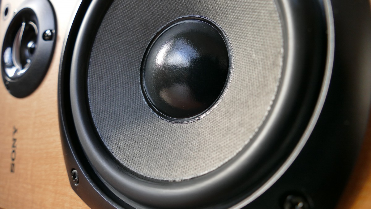 Ideal Subwoofer Placement & Pressurization
