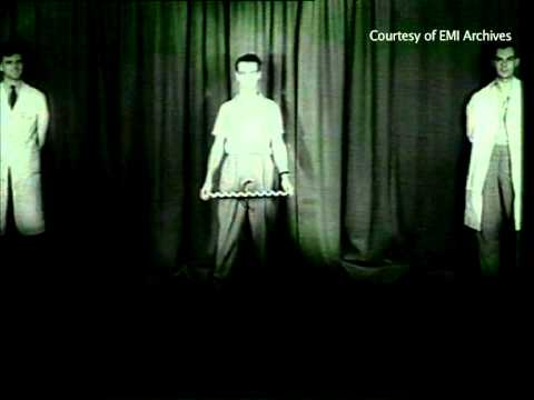 Invention of stereo sound: Alan Blumlein – 'Walking and Talking' – YouTube
