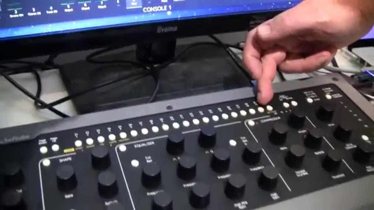 Softube Console 1 – Now With SSL XL9000K – YouTube